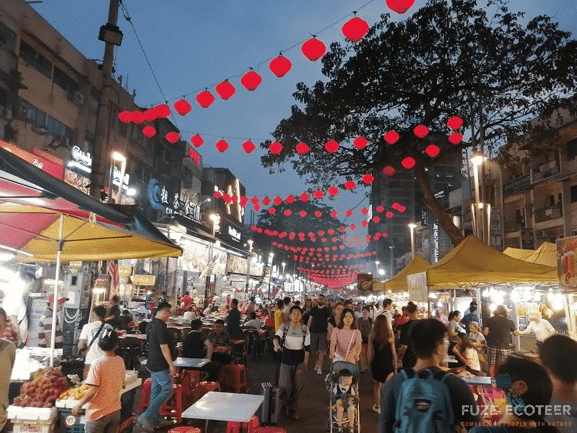 Jalan Alor Chinese Hawker street in Kuala Lumpur - Food in Malaysia
