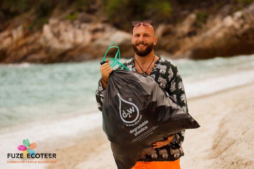 Ecotourism Internship - Inspire beach cleans by tourists